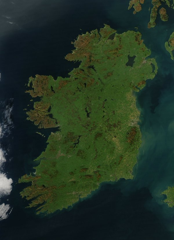 Completely cloud free satellite image of Ireland