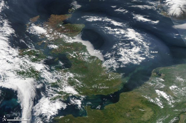 United Kingdom, smog. Satellite Photo